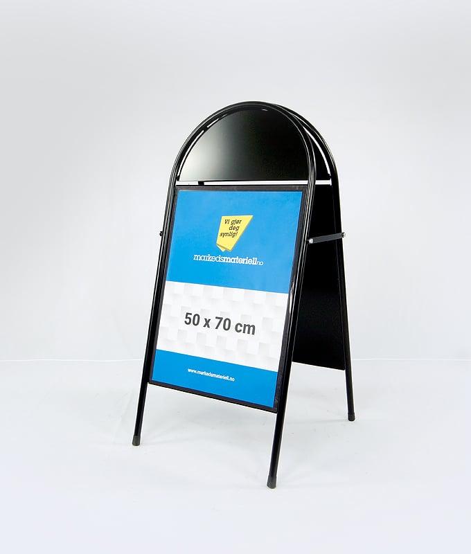 Gatebukk buet med logofelt sort 50x70 utebukk markedsmateriell