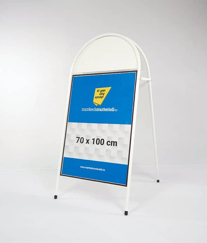 Gatebukk buet med logofelt 70x100 hvit utebukk markedsmateriell