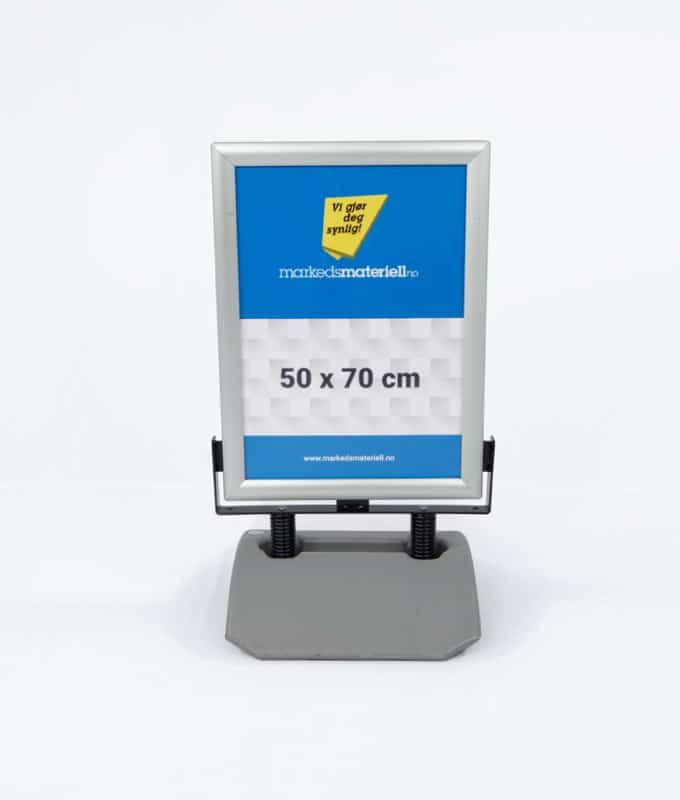 Gatebukk ekstra hardfør 50x70 cm fra Markedsmateriell