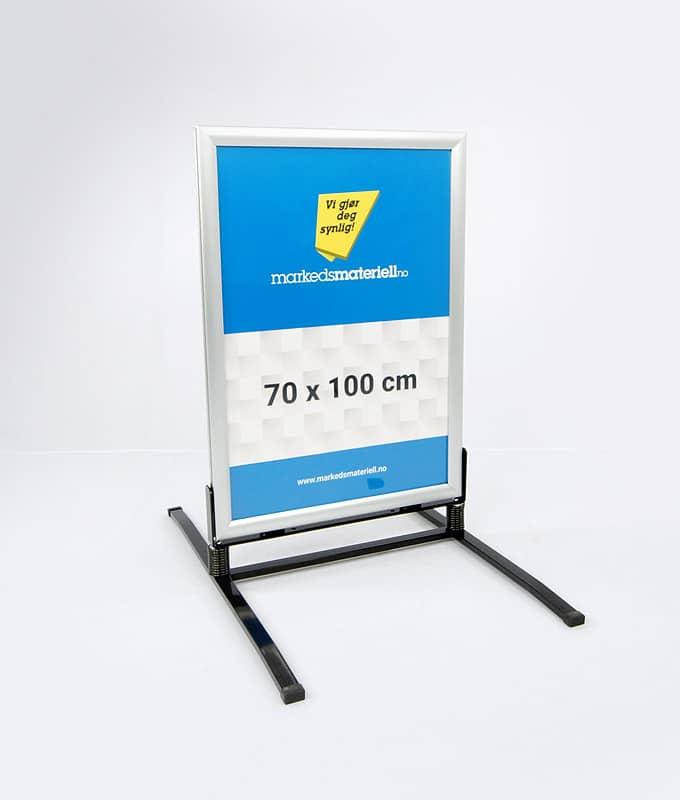 GatebGatebukk hardfør med klemlist aluminium 70x100 cm fra Markedsmateriell.noukk hardfør med klemlist aluminium 70x100 cm fra Markedsmateriell.no
