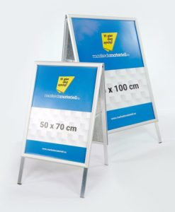 Gatebukk klassisk 50x70 og 70x100 cm med klemlist aluminium fra Markedsmateriell.no