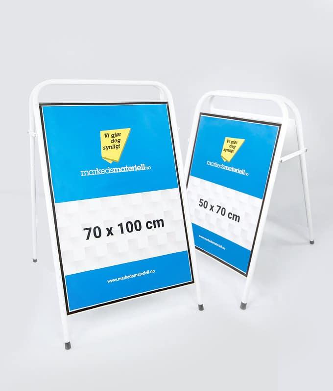 Gatebukk standard 50x70 og 70x100 cm aluminium hvit markedsmateriell