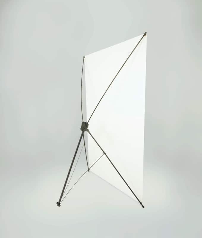 X-Banner display stativ system for store bannere fra Markedsmateriell.no