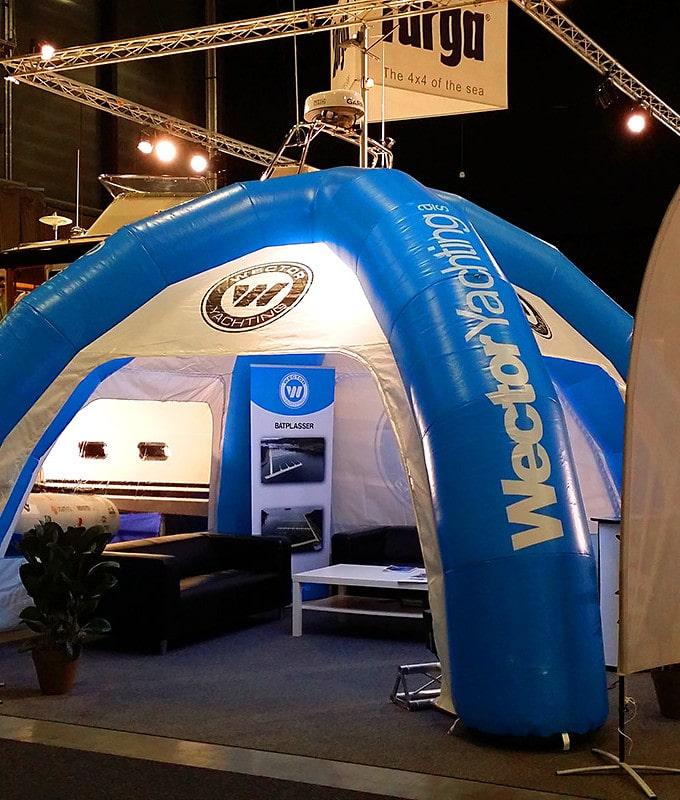 Oppblåsbare telt med reklame fra Markedsmateriell.no