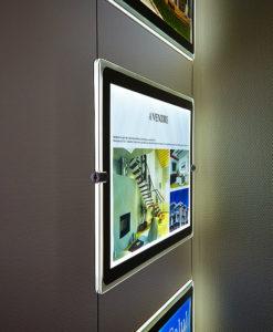 Plakat display led wire oppheng system fra Markedsmateriell