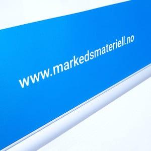 Plakatlist 50, 70 og 100 cm bredde oppheng til plakat og banner med klemlist fra Markedsmateriell