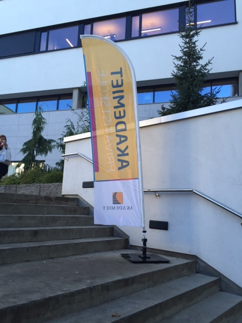 Akademiet beachflagg eksklusiv roll-up markedsmateriell