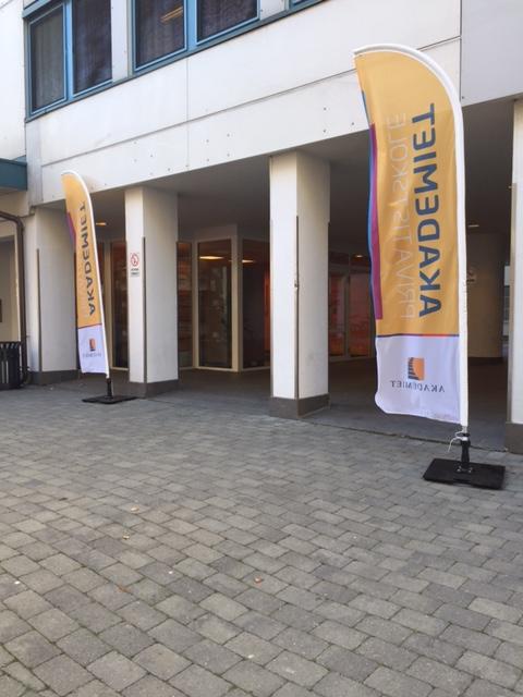 Akademiet beachflagg eksklusiv roll-up markedsmateriell