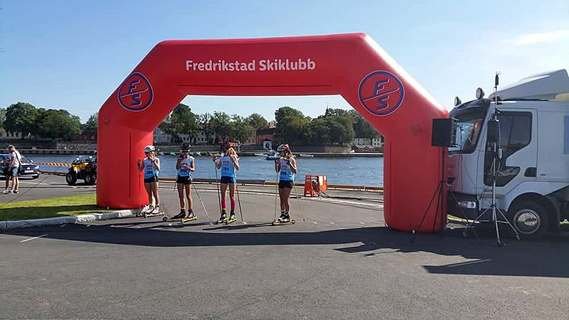 Fredrikstad Skiklubb med portal målbue fra Markedsmateriell