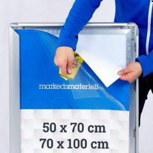 Plakatdeksel 50x70 og 70x100 cm størrelser fra Markedsmateriell.no