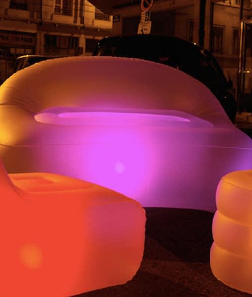 Oppblåsbar sofa - med lys!
